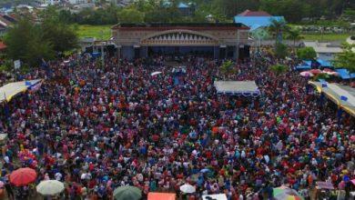 Photo of Membludak, Masyarakat Kota Bengkulu Hadiri Deklarasi Erna-Aza