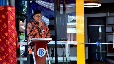 Photo of Bank Indonesia Buat Batik Besurek Semakin Terkenal di Kancah Nasional