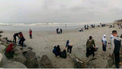 IMG 20181009 162459 Prodi Kesling Poltekkes Kemenkes Bengkulu Gelar Bersih-Bersih Pantai