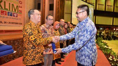 Photo of Rohidin Terima Penghargaan Proklim dari Kementerian LHK