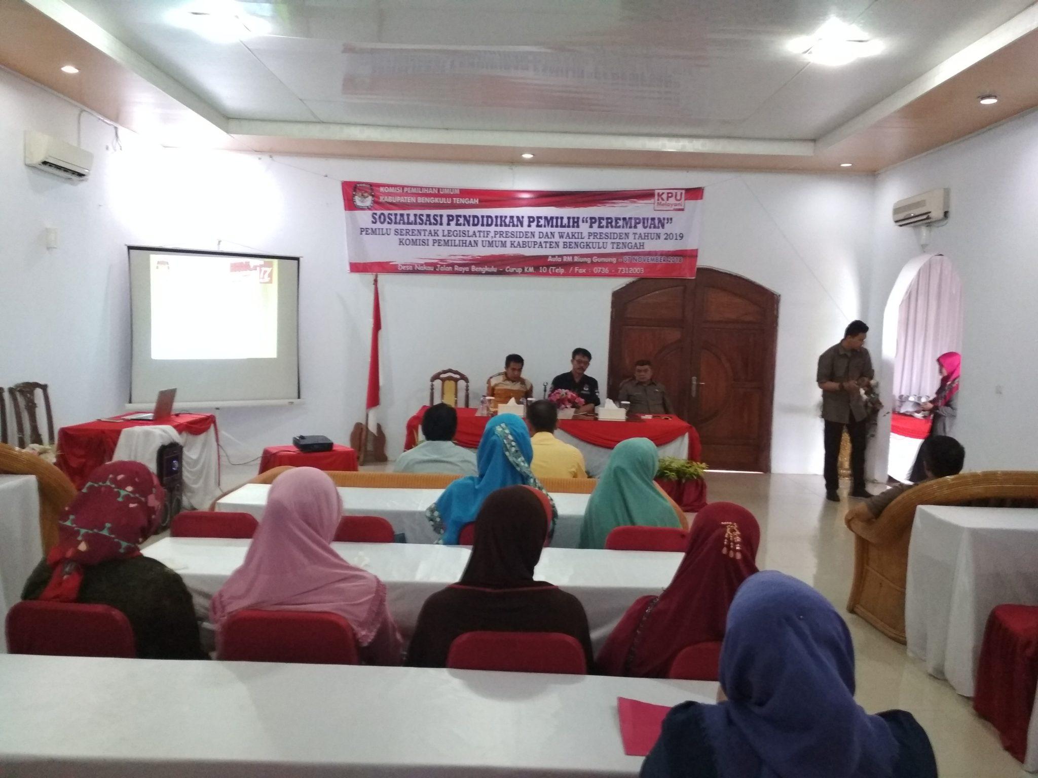 IMG 20181107 094444 Pentingnya Peran Perempuan, KPU Gelar Sosialisasi Pendidikan Perempuan Untuk Pemilu