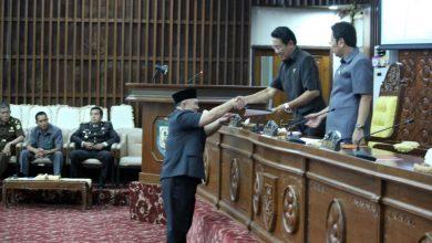 Photo of Jawaban Gubernur Atas Pandangan Umum Fraksi Tentang RUED