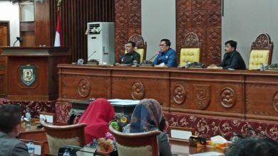 Photo of Gubernur Tak Hadir, Paripurna Pengesahan Perubahan Perda Diskors