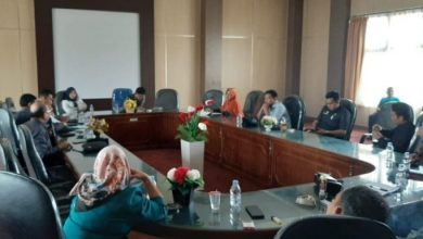 "Photo of DPRD Hearing Terkait Postingan Heboh ""DPRD Benteng Jadi Panti Pijat"""