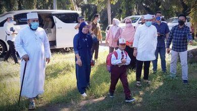 Photo of Demi Pendidikan Warga Kota Bengkulu, Pemkot Langsung Turun Belikan Seragam Sekolah