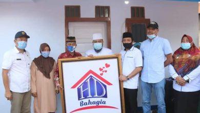 Photo of Helmi Hasan Bahagiakan Masyarakat Kota Bengkulu dengan HD Bahagia