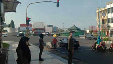 Photo of Satpol PP Tertibkan Gepeng di Setiap Lampu Merah