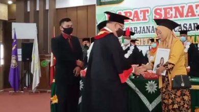 Photo of Isak Tangis Mewarnai Prosesi Wisuda Universitas Muhammadiyah Bengkulu