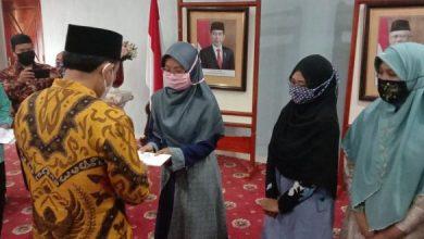 Photo of Dukung Peserta MTQ, Plt Walikota Bengkulu Beri Uang Saku Rp. 1 Juta