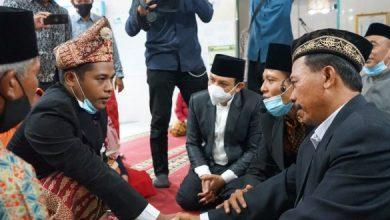 Photo of Plt Walikota Bengkulu Dedy Hadir di Pernikahan Warganya
