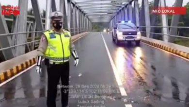 Photo of Sempat Ditutup, Jembatan Tanjung Agung Palik Sudah Bisa Dilalui