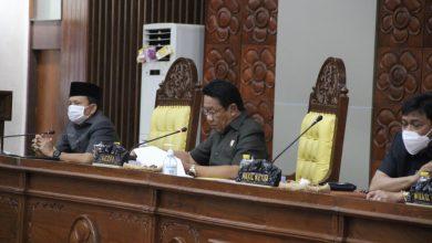 Photo of 'Ketok Palu' Raperda RAPBD Tahun Anggaran 2021 Disahkan Jadi Perda