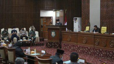 Photo of Jawaban Guburnur Bengkulu Terhadap Pandangan Umum Fraksi-Fraksi Tentang Raperda AKB Dalam Pencegahan dan Pengendalian Covid-19