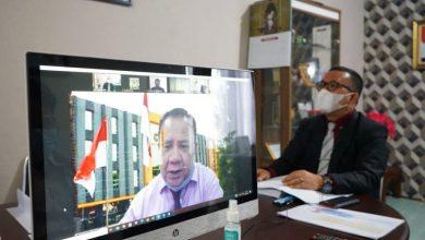 Photo of Kadis Kominfosan Lulus Ujian Tertutup Program Doktor