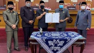 Photo of Paripurna, Wakil Walikota Sampaikan Jawaban atas Pandangan Umum Fraksi Terkait 6 Raperda